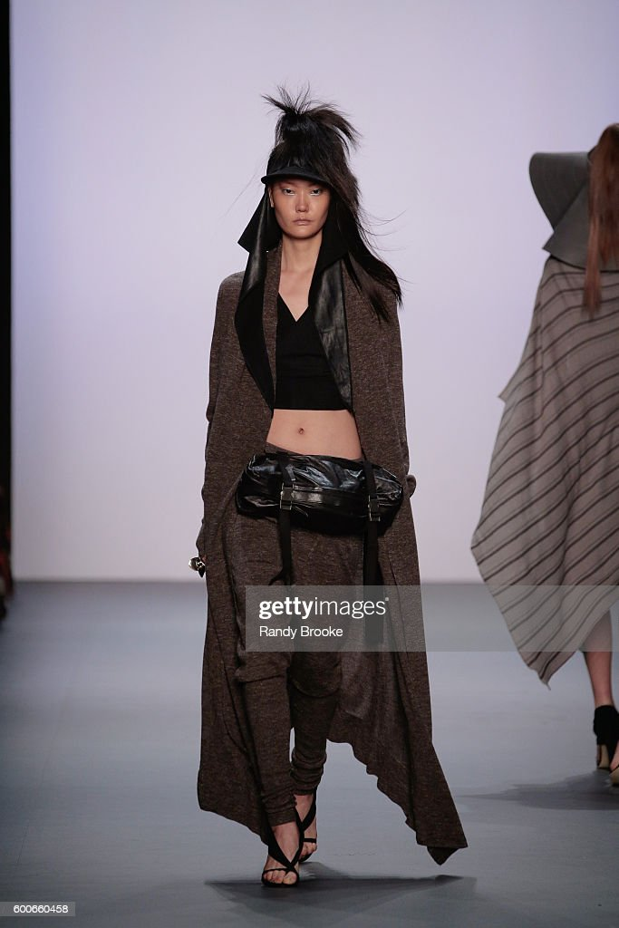 model-walks-the-runway-at-the-nicholas-k-spring-2017-new-york-fashion-picture-id600660458
