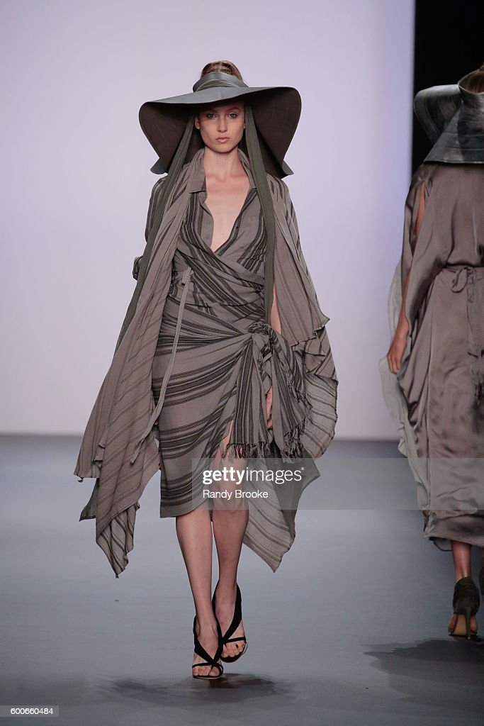 model-walks-the-runway-at-the-nicholas-k-spring-2017-new-york-fashion-picture-id600660484