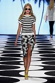 A model walks the runway at the Nicole Miller fashion show during MercedesBenz Fashion Week Spring 2015 at The Salon at Lincoln Center on September 5...