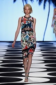 A model walks the runway at the Nicole Miller fashion show during MercedesBenz Fashion Week Spring 2015 at Lincoln Center on September 5 2014 in New...
