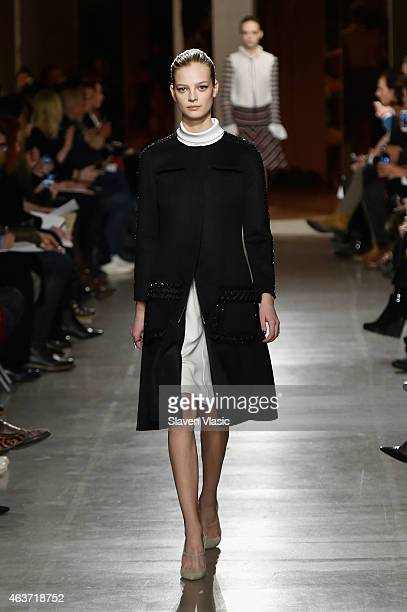 A model walks the runway at the Oscar De La Renta fashion show during MercedesBenz Fashion Week Fall 2015 on February 17 2015 in New York City