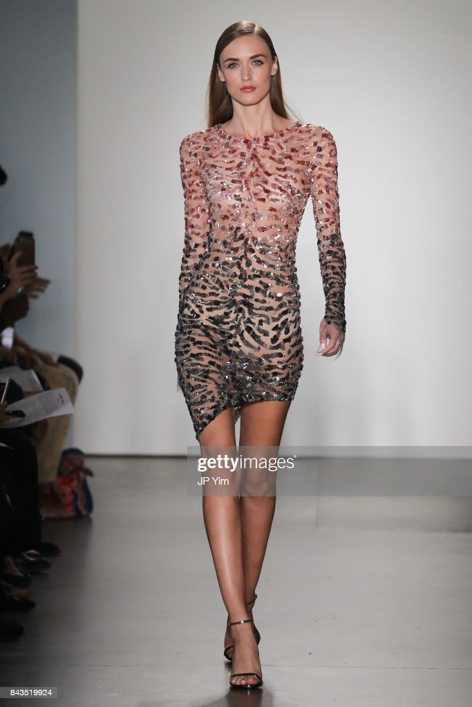 model-walks-the-runway-at-the-pamella-roland-spring-2018-collection-picture-id843519924