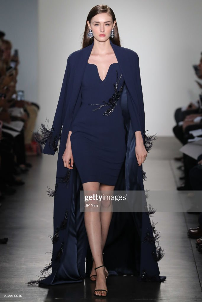 model-walks-the-runway-at-the-pamella-roland-spring-2018-collection-picture-id843520040
