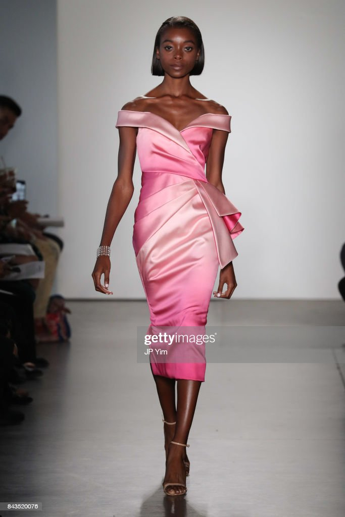 model-walks-the-runway-at-the-pamella-roland-spring-2018-collection-picture-id843520076