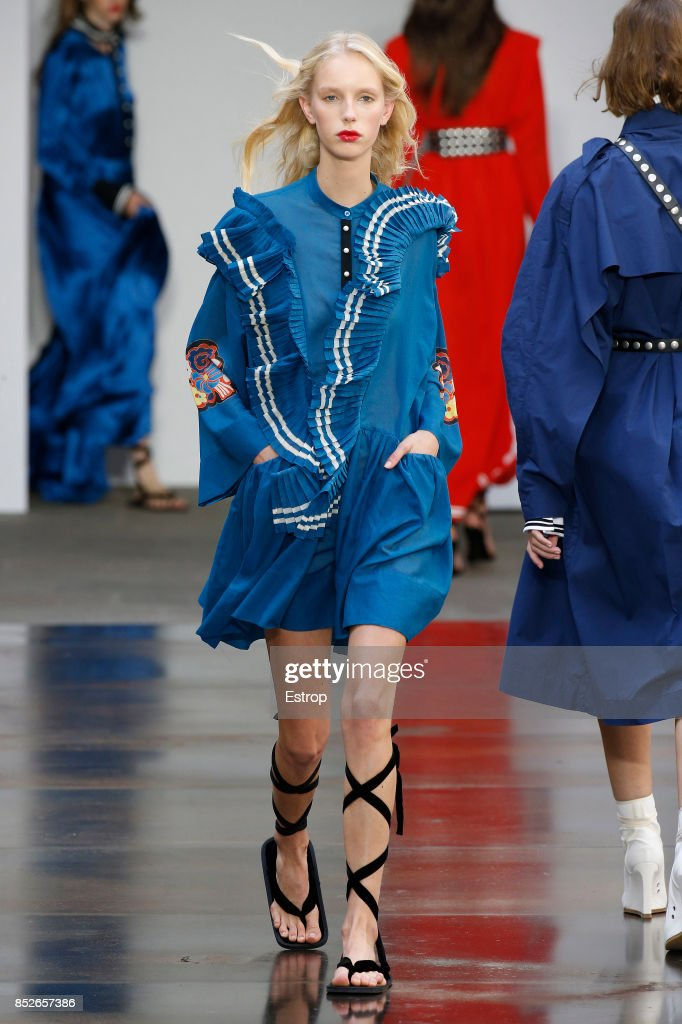 model-walks-the-runway-at-the-philosophy-by-lorenzo-serafini-show-picture-id852657386
