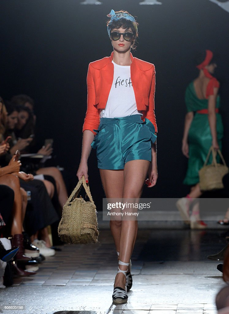 model-walks-the-runway-at-the-ppq-show-during-london-fashion-week-picture-id606520196
