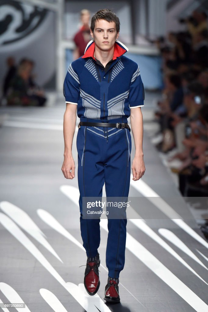 Prada - Mens Spring 2018 Runway - Milan Menswear Fashion Week