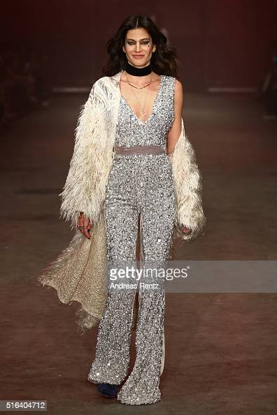 A model walks the runway at the Raisa Vanessa Sason show during the MercedesBenz Fashion Week Istanbul Autumn/Winter 2016 on March 18 2016 in...
