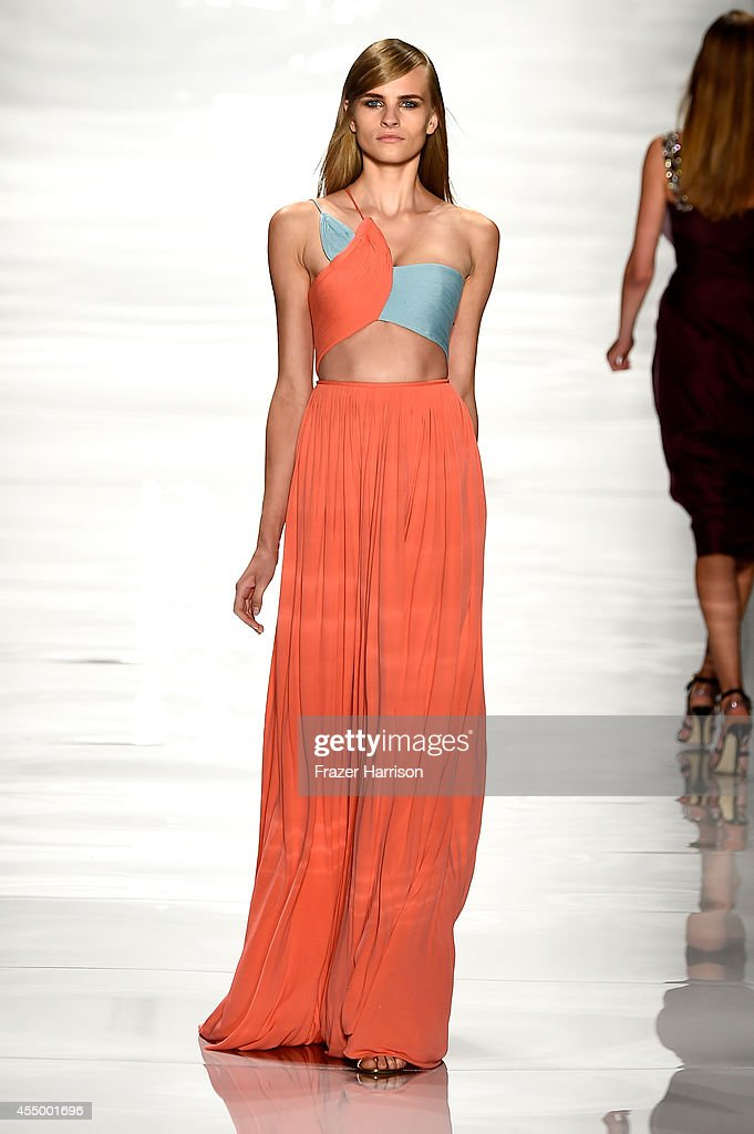 A model walks the runway at the Reem Acra fashion show during MercedesBenz Fashion Week Spring 2015 at The Salon at Lincoln Center on September 8...