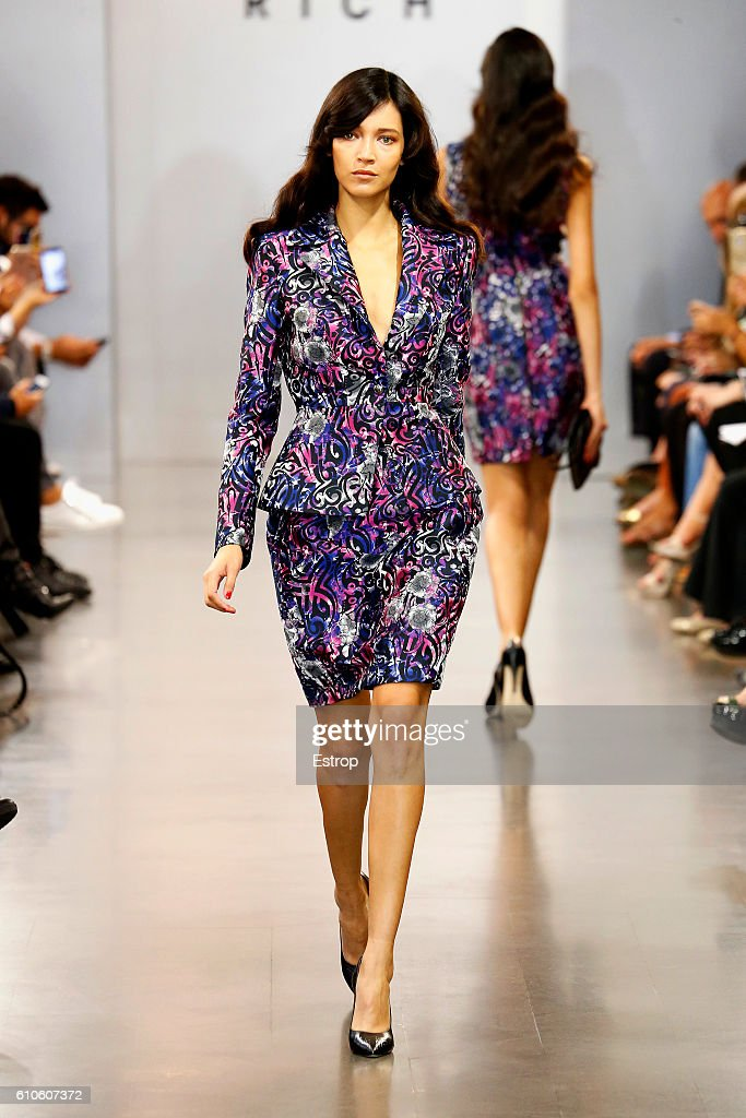 model-walks-the-runway-at-the-richmond-show-milan-fashion-week-2017-picture-id610607372