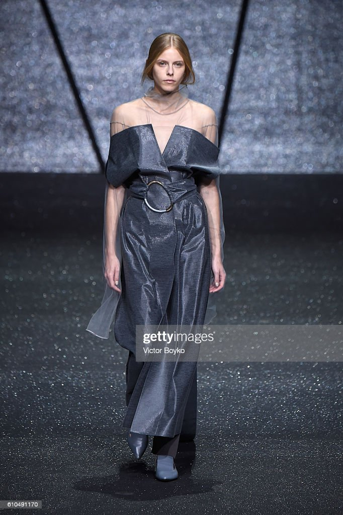 model-walks-the-runway-at-the-ricostru-show-during-milan-fashion-week-picture-id610491170