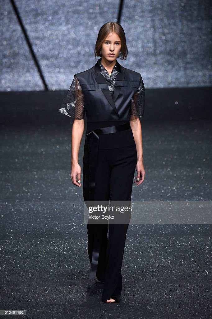 model-walks-the-runway-at-the-ricostru-show-during-milan-fashion-week-picture-id610491186