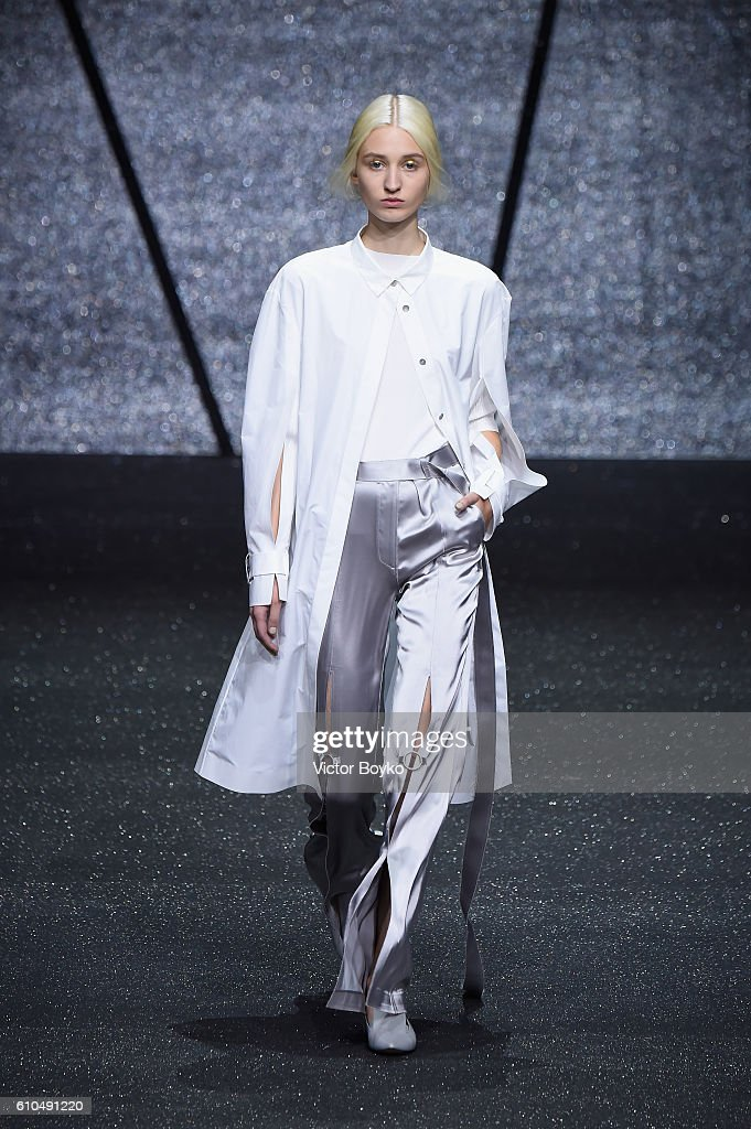 model-walks-the-runway-at-the-ricostru-show-during-milan-fashion-week-picture-id610491220