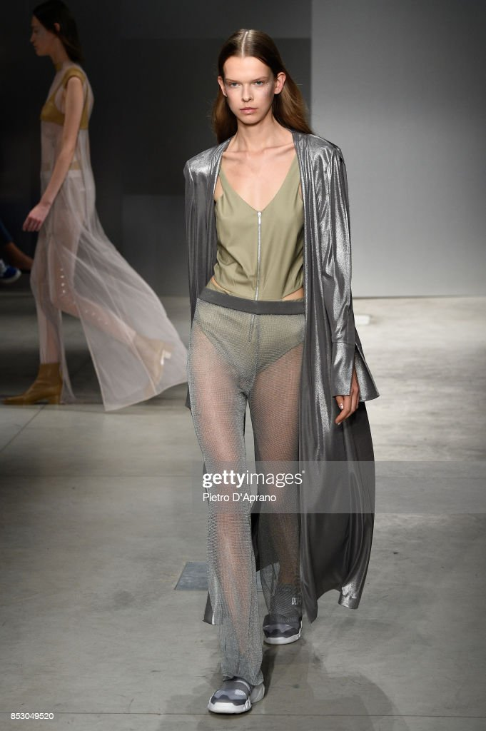 model-walks-the-runway-at-the-ricostru-show-during-milan-fashion-week-picture-id853049520