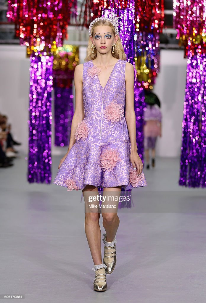 model-walks-the-runway-at-the-ryan-lo-show-during-london-fashion-week-picture-id606170554
