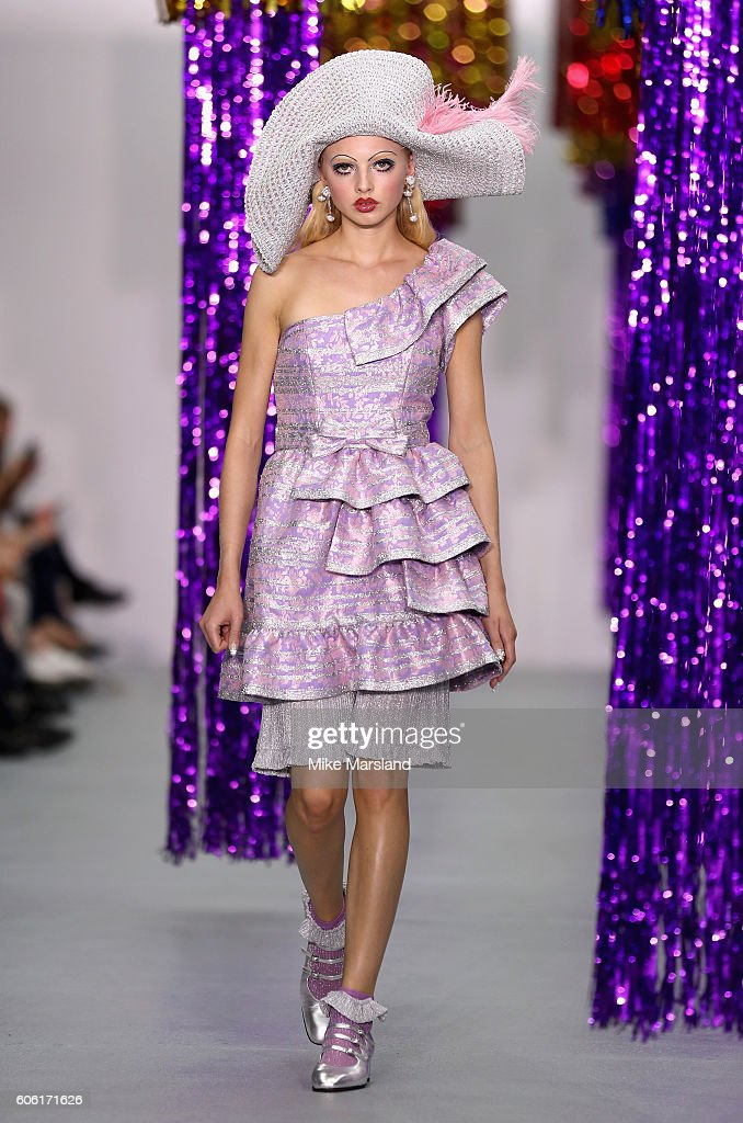 model-walks-the-runway-at-the-ryan-lo-show-during-london-fashion-week-picture-id606171626