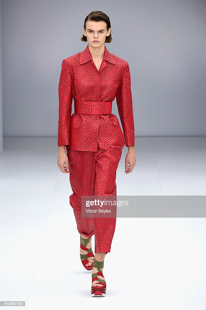 model-walks-the-runway-at-the-salvatore-ferragamo-show-during-milan-picture-id610382280