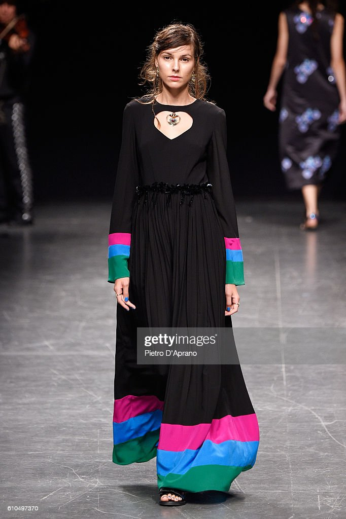 model-walks-the-runway-at-the-san-andres-milano-show-during-milan-picture-id610497370