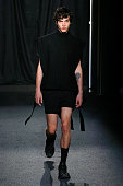 Sean Suen : Runway - Paris Fashion Week - Menswear...