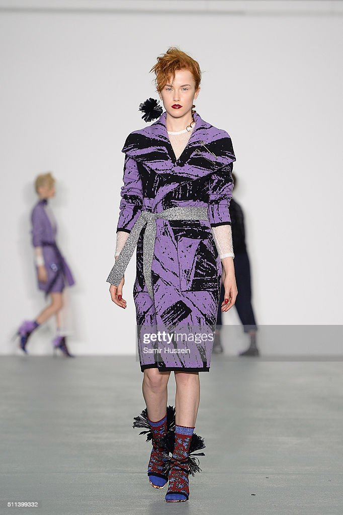 Sibling Runway Lfw Aw16 Getty Images