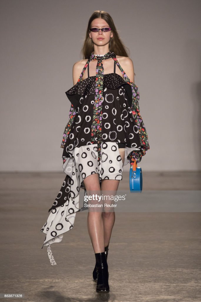 model-walks-the-runway-at-the-ssheena-show-during-milan-fashion-week-picture-id853571326