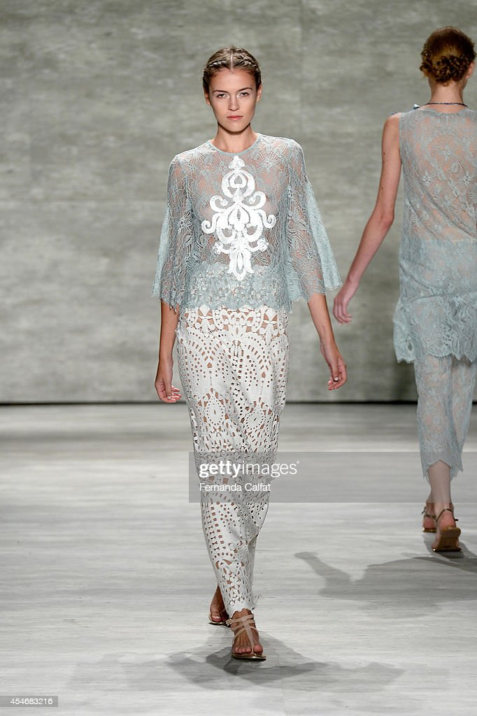 A model walks the runway at the Stella Nolasco fashion show during MercedesBenz Fashion Week Spring 2015 at The Pavilion at Lincoln Center on...