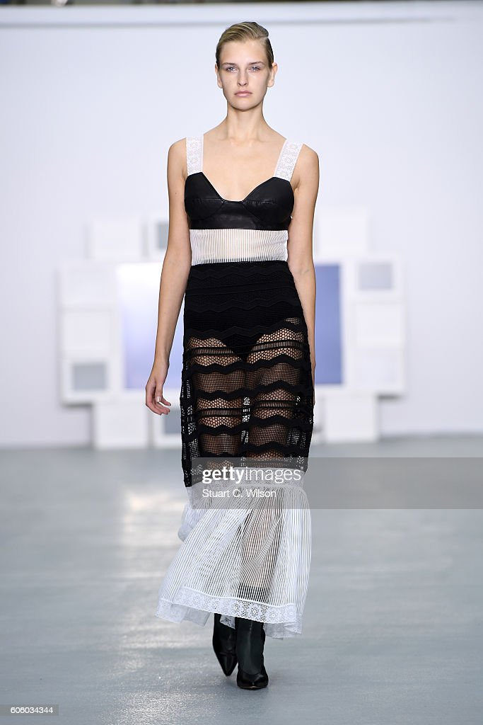 model-walks-the-runway-at-the-teatum-jones-show-during-london-fashion-picture-id606034344