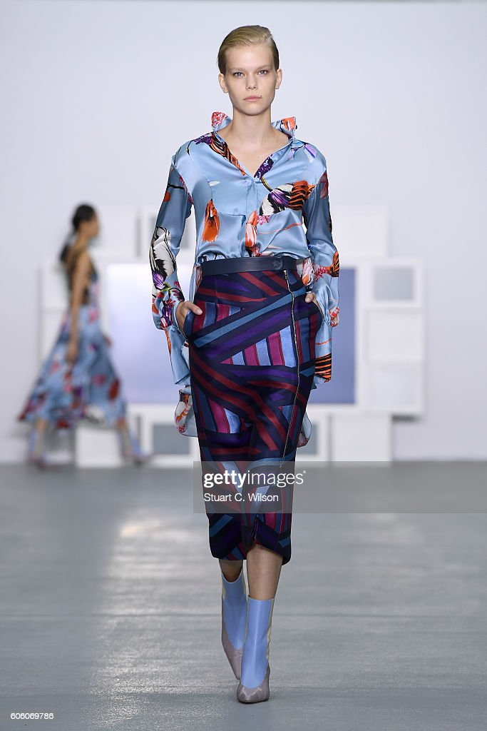 model-walks-the-runway-at-the-teatum-jones-show-during-london-fashion-picture-id606069786