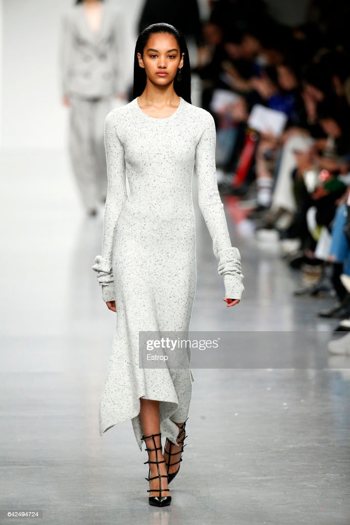 model-walks-the-runway-at-the-teatum-jones-show-during-the-london-picture-id642494724