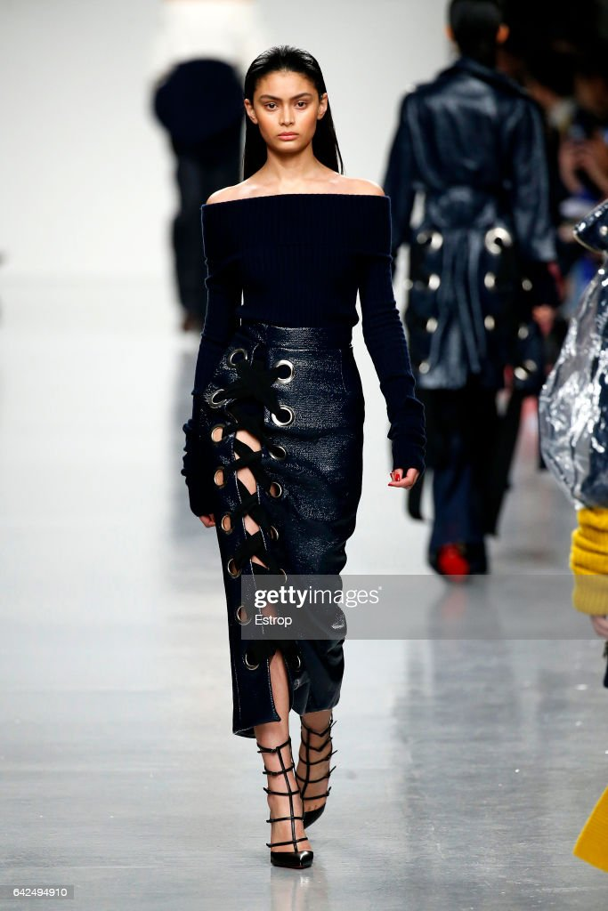 model-walks-the-runway-at-the-teatum-jones-show-during-the-london-picture-id642494910