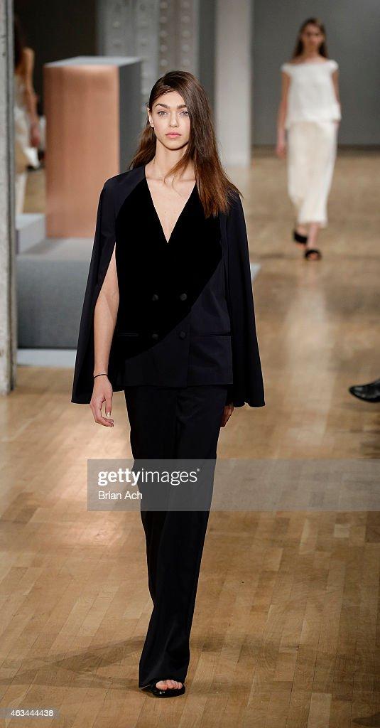 Tibi runway mercedes benz fashion week fall 2015 for Mercedes benz fashion show