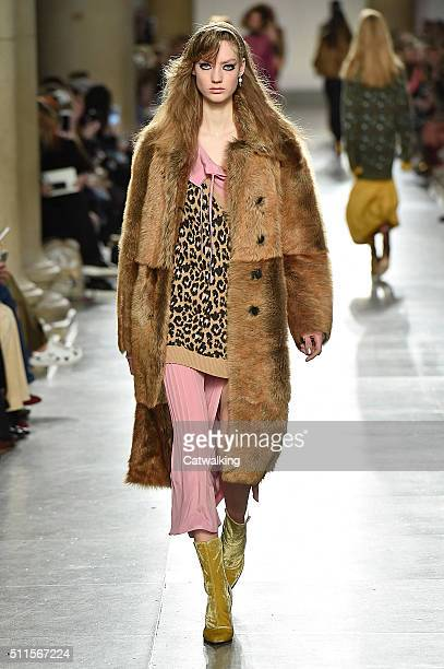 A model walks the runway at the Topshop Unique Autumn Winter 2016 fashion show during London Fashion Week on February 21 2016 in London United Kingdom