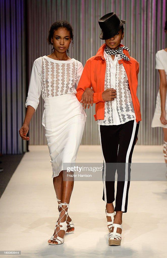Tracy reese runway mercedes benz fashion week spring for Mercedes benz fashion show