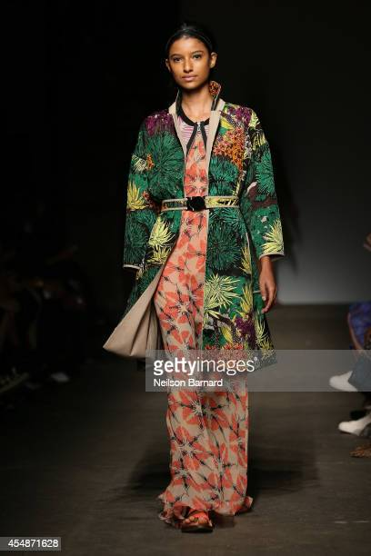 A model walks the runway at the Tracy Reese fashion show during MercedesBenz Fashion Week Spring 2015 at Art Beam on September 7 2014 in New York City