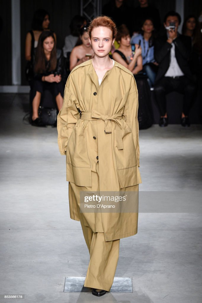 model-walks-the-runway-at-the-ujoh-show-during-milan-fashion-week-picture-id853566178