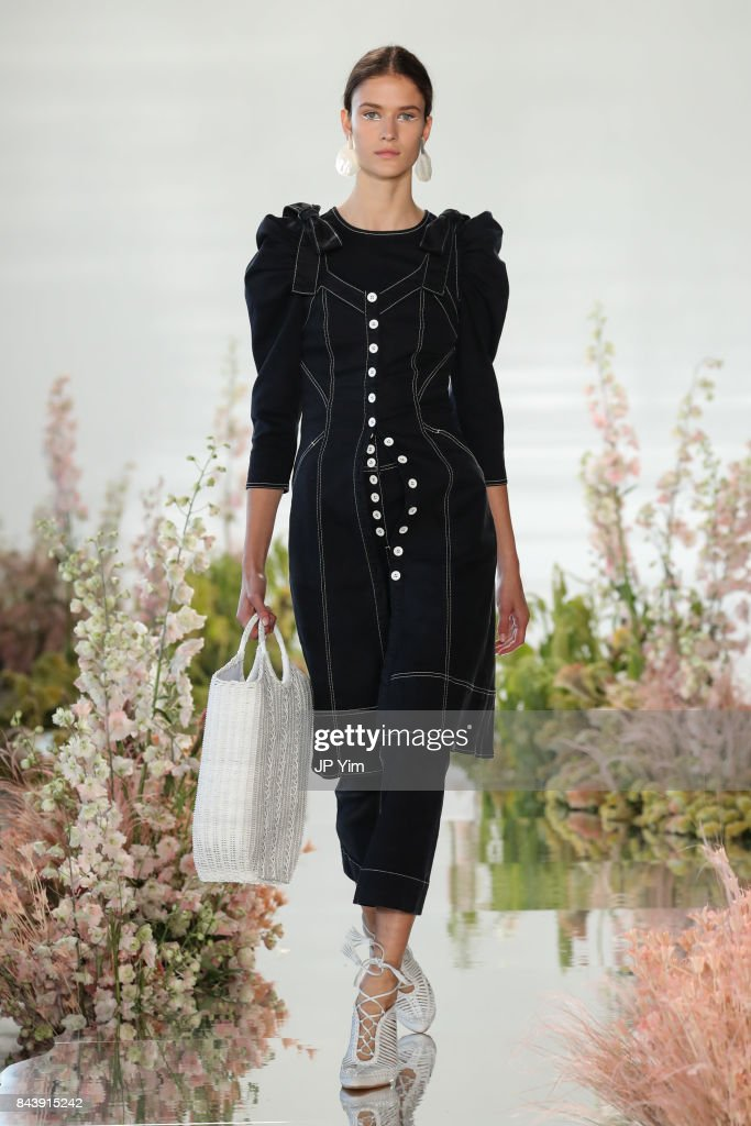 model-walks-the-runway-at-the-ulla-johnson-ss2018-collection-during-picture-id843915242