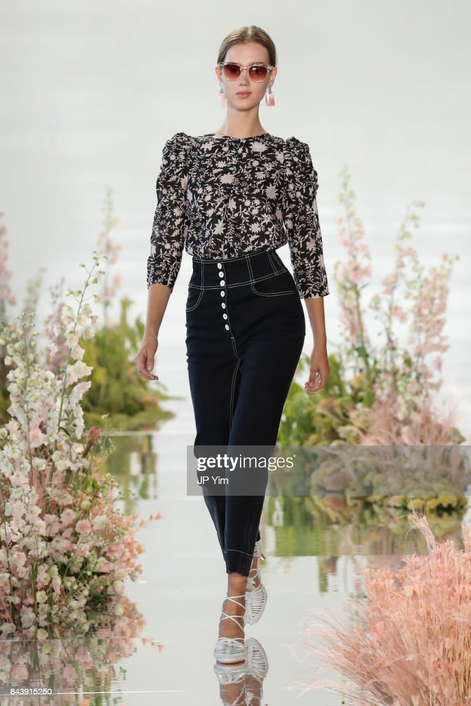 model-walks-the-runway-at-the-ulla-johnson-ss2018-collection-during-picture-id843915250