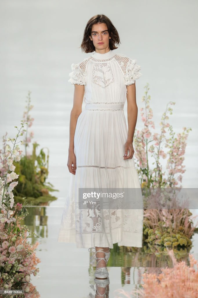 model-walks-the-runway-at-the-ulla-johnson-ss2018-collection-during-picture-id843915304