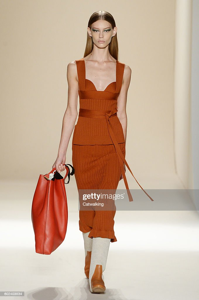 Victoria by victoria beckham spring / summer 2017 rtw – new york fashion week