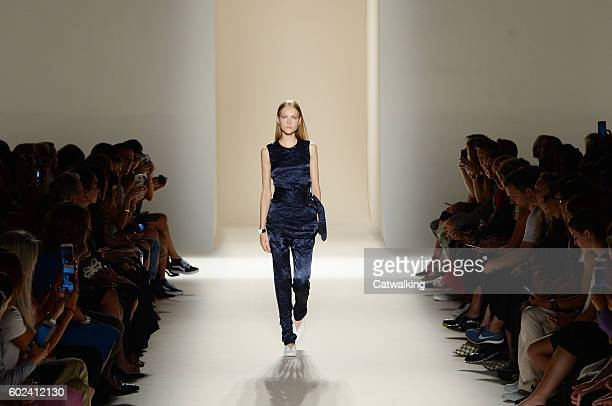 A model walks the runway at the Victoria Beckham Spring Summer 2017 fashion show during New York Fashion Week on September 11 2016 in New York United...