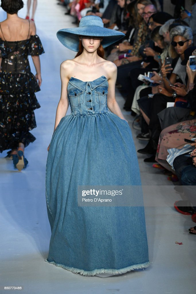 model-walks-the-runway-at-the-vivetta-show-during-milan-fashion-week-picture-id850773486