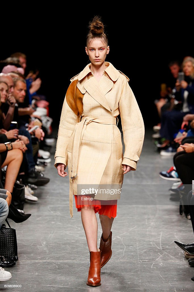 model-walks-the-runway-at-the-wunderkind-designed-by-wolfgang-joop-picture-id609838900