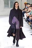 Yohji Yamamoto : Runway - Paris Fashion Week - Menswear...