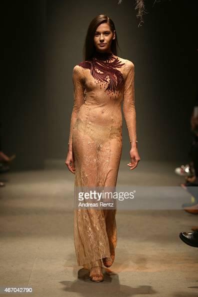 Nude Show Fashion 45