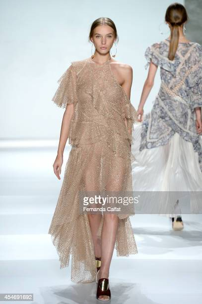 A model walks the runway at the Zimmermann fashion show during MercedesBenz Fashion Week Spring 2015 at The Pavilion at Lincoln Center on September 5...