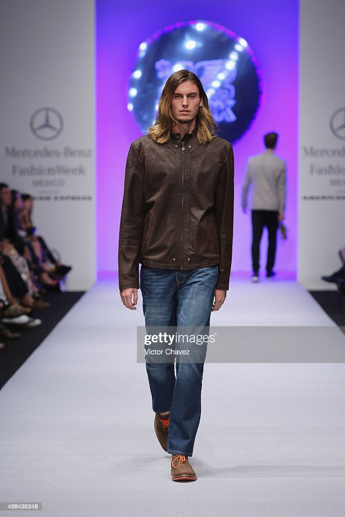 Black mercedes benz fashion week mexico spring summer for Www mercedes benz mexico