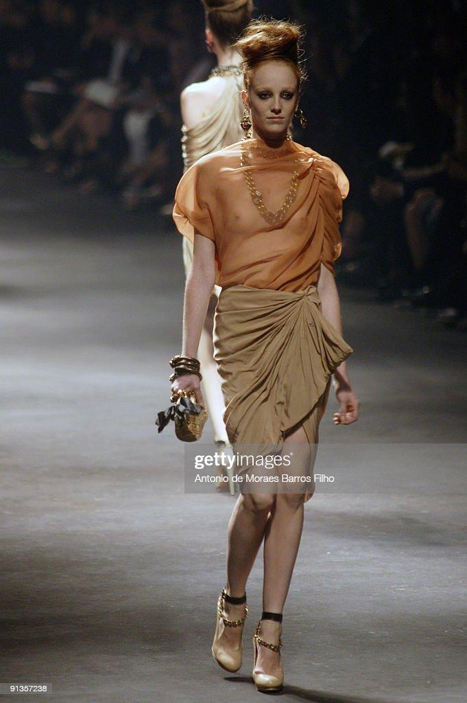 Lanvin - Paris Fashion Week Spring/Summer 2010   Getty Images
