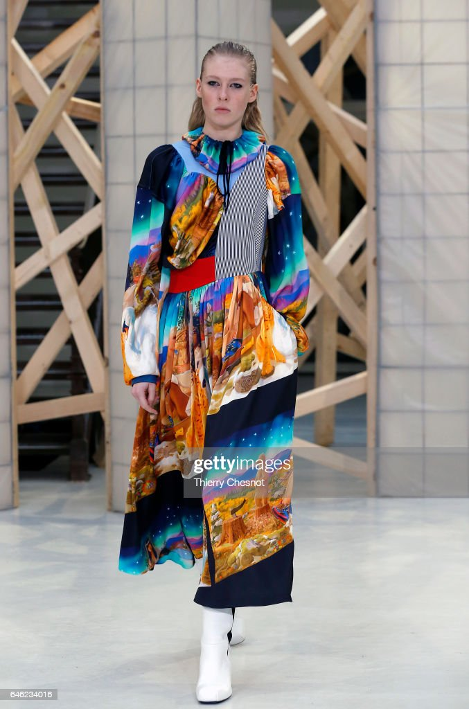 model-walks-the-runway-during-the-aalto-show-as-part-of-the-paris-picture-id646234016