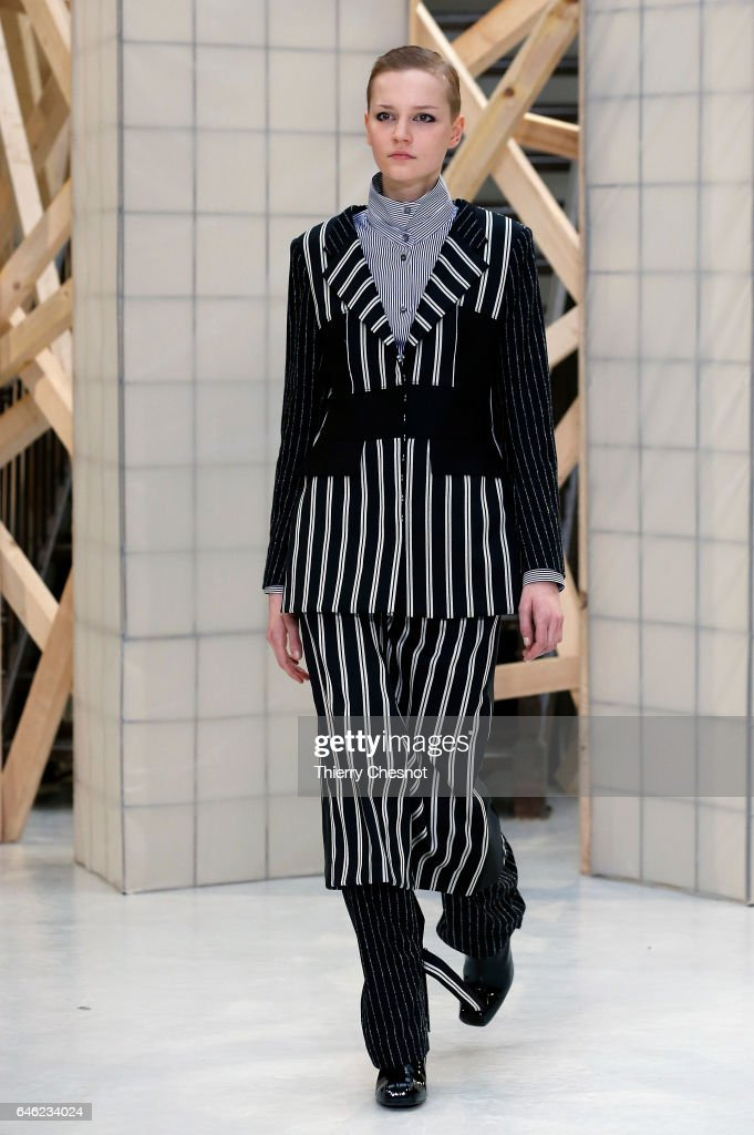 model-walks-the-runway-during-the-aalto-show-as-part-of-the-paris-picture-id646234024