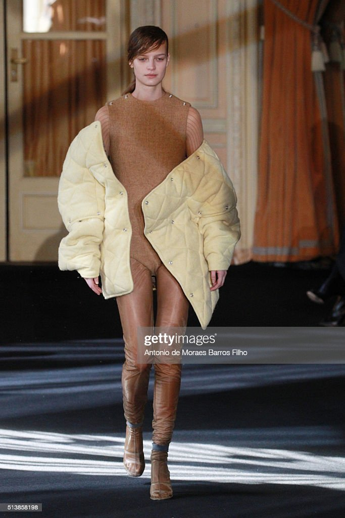 A model walks the runway during the Acne Studio show as part of the Paris Fashion Week Womenswear Fall/Winter 2016/2017 on March 5 2016 in Paris...